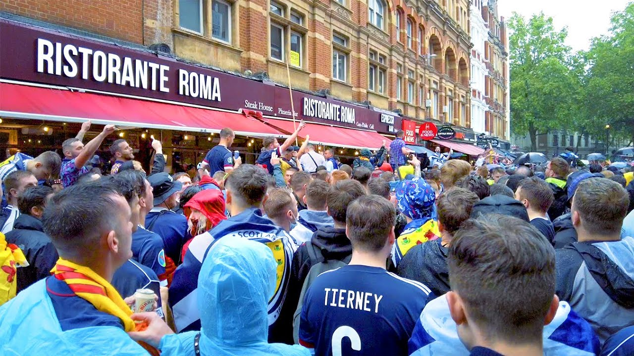 Scottish Football Fans PARTY 🏴 Leicester Square London   4K HDR   June 2021