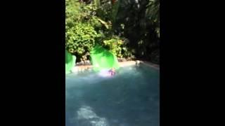 Аквапарк на Бали Water Bom(, 2015-06-16T09:52:48.000Z)
