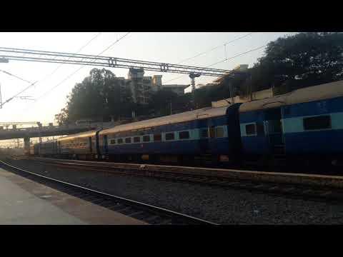 Kochuvali bangalore express skipping Baiyappanahalli ||Indian railways