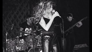 Mandy Capristo - Concert in London 10.09.14 (Snippet)