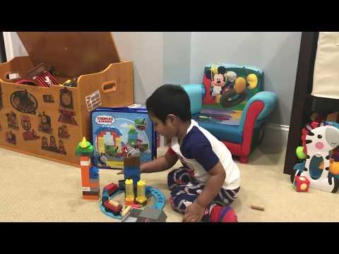 Aaron Builds Thomas & Friends Mega Blocks Sodor Wash Down Train Set