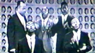 "Swanee Quintet  singing ""New Walk"""