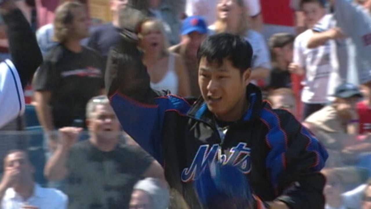 Jose Bautista doubles, scores in Mets debut