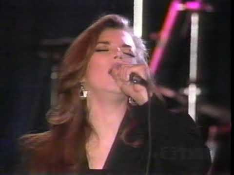 Martina McBride - The Time Has Come (LIVE)