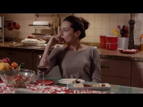 İrem Derici - Bir Miyiz? Aşk Olsun Filmi (2015)