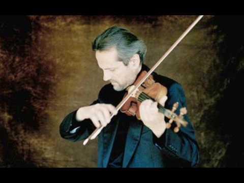 Mozart Violin Concerto No.3 in G major 1st mov. (Giuliano Carmignola)