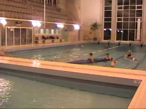 Entrainement piscine du cercle des r gates bruxelles kayak for Piscine miroir belgique