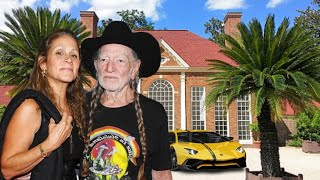 Willie Nelson's Lifestyle ★ 2021