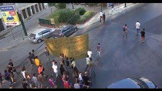 Афины: митинг против депортации беженцев(Около 70 человек приняли участие в митинге протеста прошедшем по центральным улицам столицы Греции. Участни..., 2016-08-29T15:15:55.000Z)