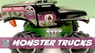 MONSTER JAM Monster Trucks Grave Digger vs. Maximum Destruction K'nex