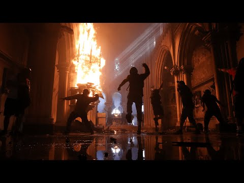 Chile: Churches set on fire on anniversary of protests