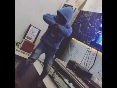 Destiny boy dances to Olamide's wo