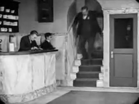 "Buster Keaton - Unforgettable scene - ""Elevator chase"""