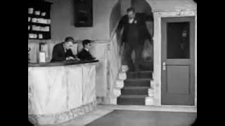 "Buster Keaton - Unforgettable scene - ""Elevator chase"""