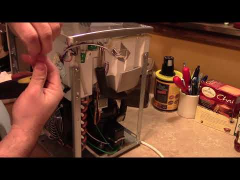How To Clean Your MOLD INFESTED Countertop Ice Maker!