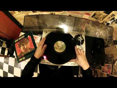 Vinyl Sampling as a Text