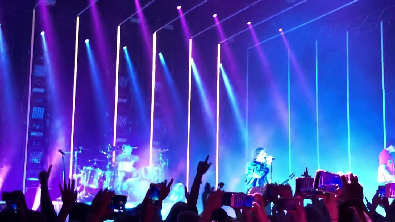 5 Seconds Of Summer  Hammersmith If Walls Could Talk