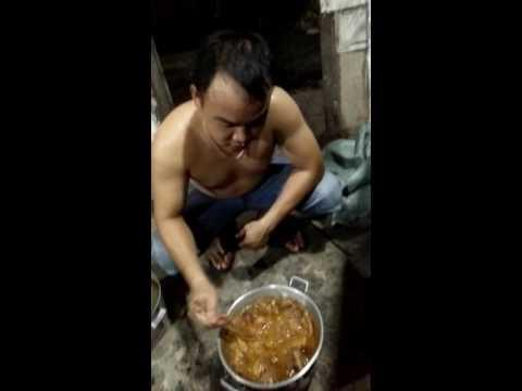 Món ăn kinh hãi của Việt Nam, TIẾT CANH VỊT