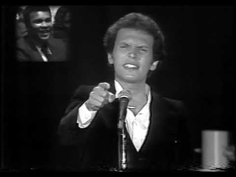Billy Crystal's Muhammad Ali tribute - 15 Rounds (1979) - Fixed Audio