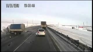 Смертельная авария грузовиков на трассе