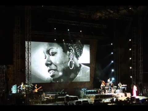 Hero - Mariah Carey - Live in Singapore - Oct 24