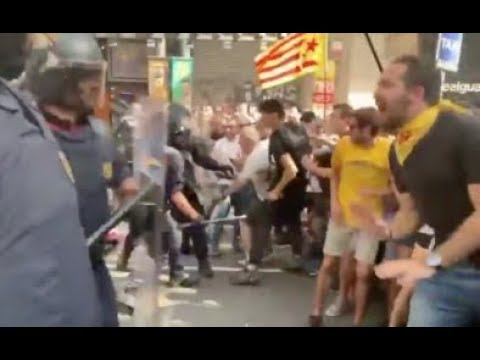 Vea cómo los CDR de Torra desatan la violencia en Barcelona