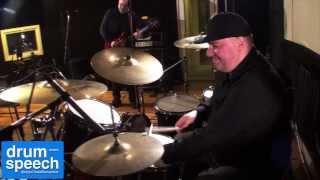 RDF Chuzhbinov Drums Smack #10 - Слава Игнатов (Blues Cousins)(В юбилейном десятом выпуске к большой радости мастера Евгения Чужбинова прозвучал старый добрый блюз в..., 2014-01-24T07:09:03.000Z)