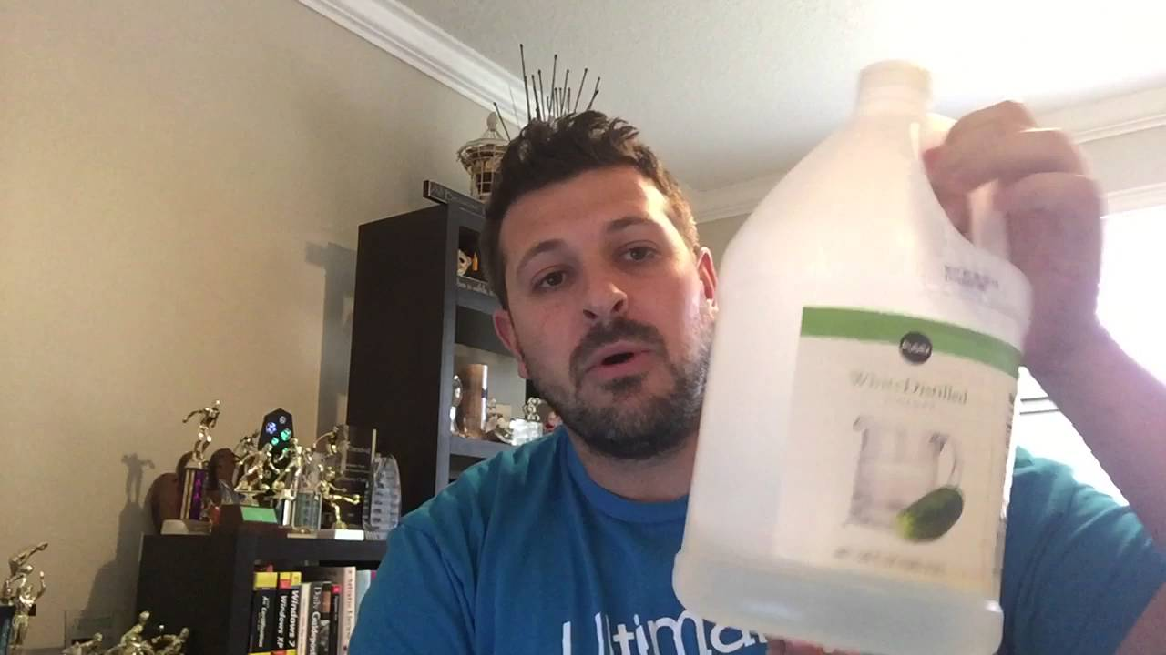 Using vinegar around the house cleaning tile floors gear guide using vinegar around the house cleaning tile floors gear guide for men part 2 youtube dailygadgetfo Images