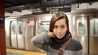 Девушка в Нью-Йорке: Метро