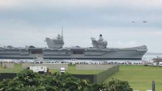 HMS Queen Elizabeth arriving in Portsmouth
