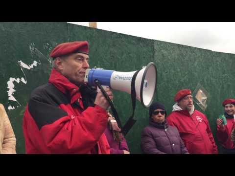 Curtis Sliwa addresses South Jamaica protest