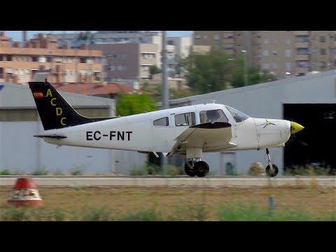 Piper PA-28 (EC-FNT) y Diamond DA-20 (EC-KMH) en Sabadell