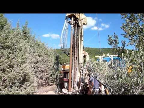 forage d' eau à AUPS 02 VAR par azur-environnement