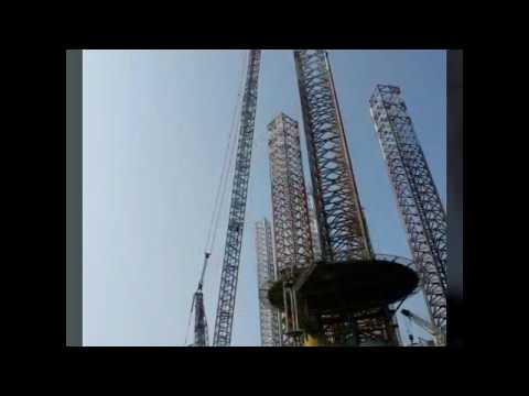 Liebherr LR 11000 Lifting offshore rig legs