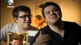 Beyaz Showa 3 Adam Gelirse Komik Skeç :D :D