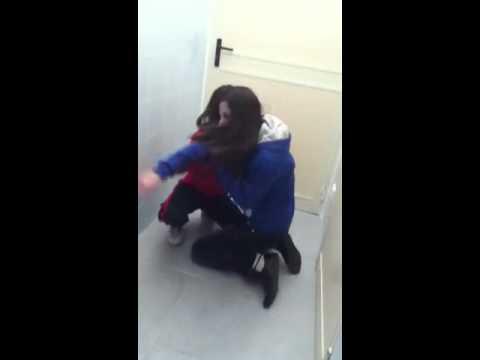 rissa in bagno xD - YouTube