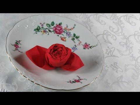 Tischdekoration selber machen . Servietten falten . Rose