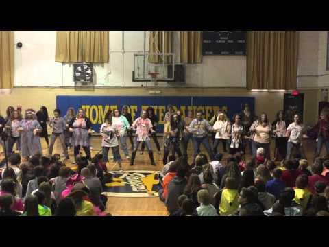 North Ridgeville Middle School Teachers dance to Thriller