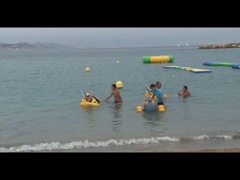 Se baigner en fauteuil roulant, c'est possible à Marseille !