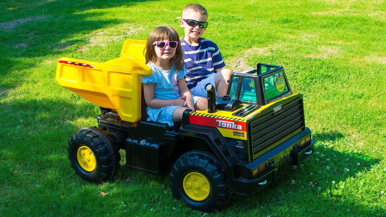 Tonka Toy Trucks >> Huge Tonka Truck For Kids Toy Trucks Dynacraft 3d Ride On Toy Unboxing Kinder Playtime