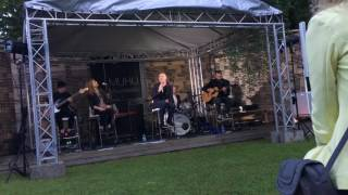Ott Lepland - Sinine Safiir (live Muhu Muusikatalu)