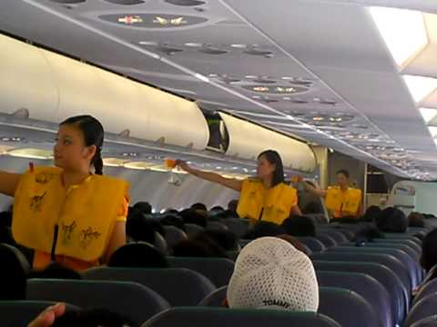 cebu pacific safety demonstration (safety features of aircraft)
