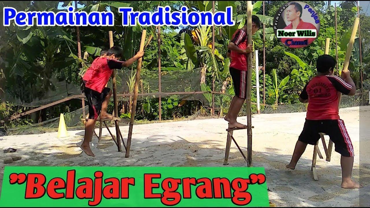 Latihan Belajar Egrang Permainan Tradisional Anak Indonesaia Youtube