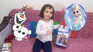 ELSA ANNA OLAF'LI 24 PARÇA YAPBOZU YAPTIK - Çocuk Videoları - 6