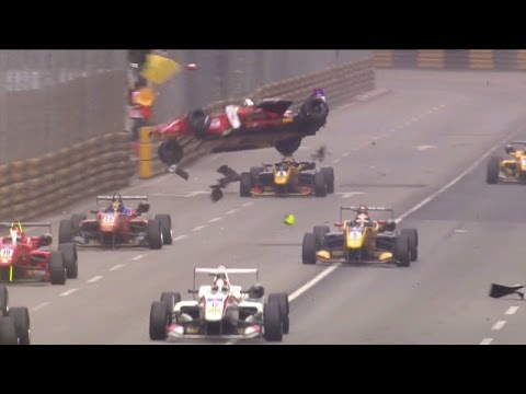 FIA Formula 3 World Cup 2016. Qualification Race Macau Grand Prix. Ye Hong Li Huge Crash