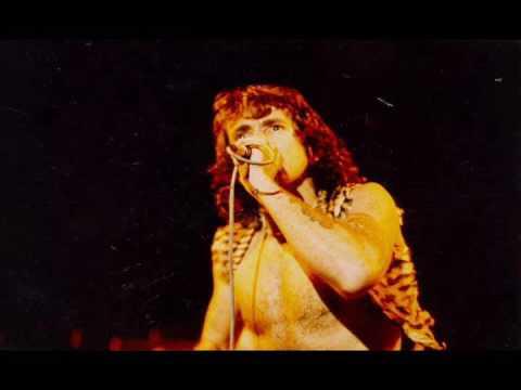 AC/DC [September 25th 1976] Sporthalle, Köln, Germany {Live Audio}