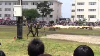火炎放射機発射~まさかの隊員直撃の悲劇!