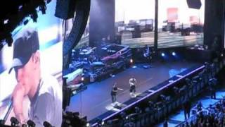 Jayz & Eminem Concert New York City 9/13 2010 - Eminem Part 1/2