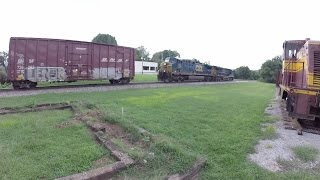 CSX Cowan Pusher Locomotives Cut Off on the Fly from Northbound Mixed Freight