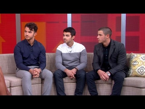 "Jonas Brothers Breakup Interview 2013: Nick Jonas: ""We Choose to Be Brothers First"" Mp3"